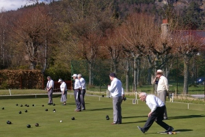 Lawn green bowls match